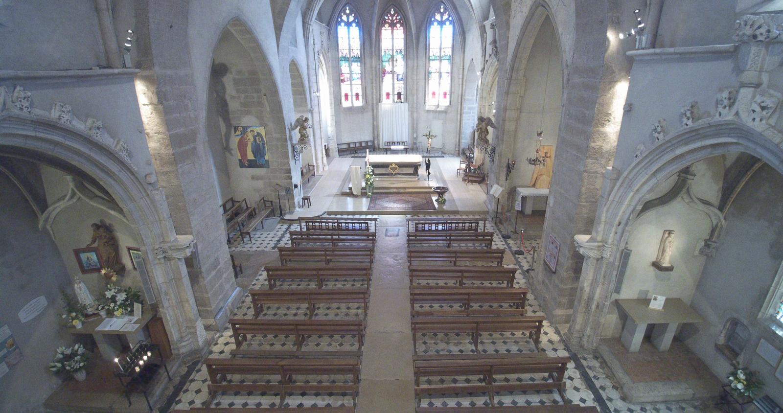 intérieur de l'église vue globale